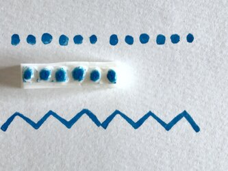 ラインの消しゴムはんこ①水玉模様の画像