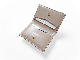 シンプルなカードケース - Card Case - ベージュ:カレン クオイルの画像