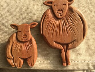 wooden parent and child of the sheep Aの画像