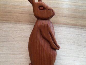 wooden rabbit brooch 06bの画像