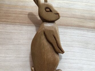 wooden rabbit brooch 06bhの画像