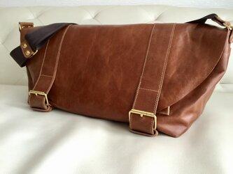 本牛革製メッセンジャーバッグの画像
