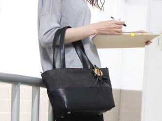 halb-mini-クロ(タンニン染め帆布×杤木レザートートバッグ)の画像