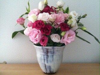 化粧泥(白と茶色)の花器の画像
