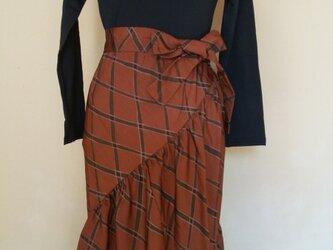 斜めギャザースカートと変わりスヌードの画像
