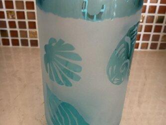 貝殻模様のビールグラスの画像