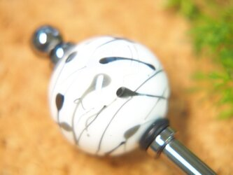 水風船模様とんぼ玉のかんざし 白×黒の画像