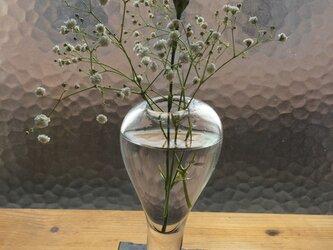 シンプルなフォルムが可愛いもっこり花器の画像