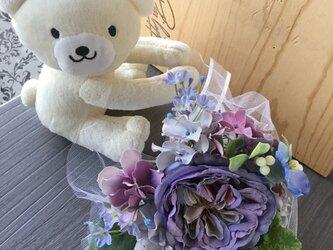ミニブーケを持ったくまさん【造花】ウェディング・二次会の画像