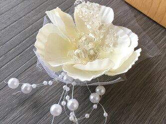 パールとお花のお飾り★造花★ウェディング・和装の画像