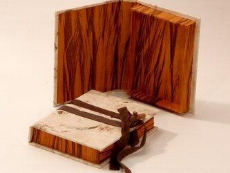 Lokta紙のボックスの画像
