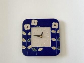 スクエア 掛け時計 花(青×白)の画像