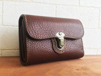 クラシックな感じが良い感じのお財布Lily ブラウンの画像