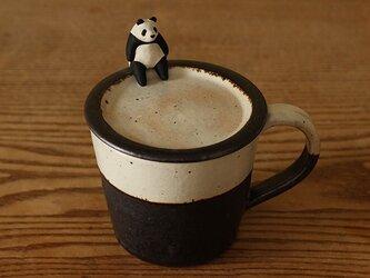 ※受注制作 だらけ座りポーズパンダ 蓋付マグカップの画像