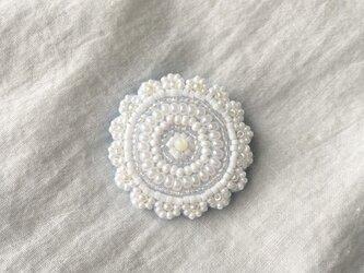 pure white lace C ブローチの画像