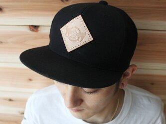 ヌメ革手縫いレザーエンブレムキャップ(ロゴ)ウールブレンド フラットバイザー 13.CATS.WORKSオリジナルの画像