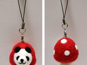 羊毛フェルトキノコパンダのストラップ(赤)の画像