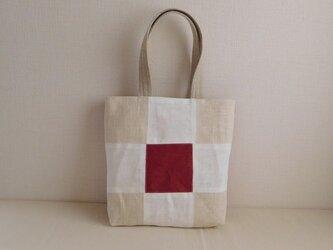 リネンのパッチワークバッグ 赤×生成りの画像