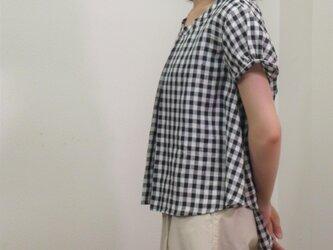先染めギンガム リネンブラウス(ブラック×ホワイト)の画像