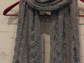 手編み 透かし編み アラン模様のショールの画像