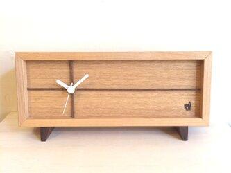 フレームクロック ちょっとレトロな置時計の画像
