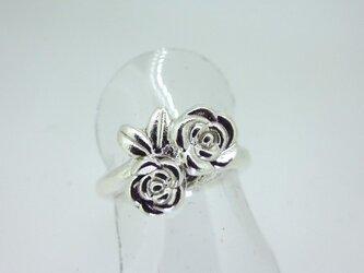 可愛いバラのリングの画像