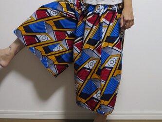 アフリカンバティックのフレアーパンツの画像