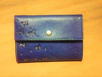 コンパクトなお財布 ちょうちょ柄 紺の画像