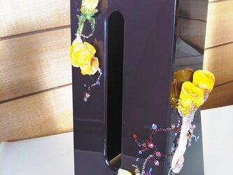 スワロフスキーでデコされた薔薇の花の ティッシュケースの画像