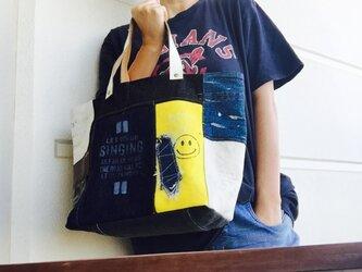 新作着画☆デニム&倉敷8号帆布トートバッグ Mサイズ yellow白革スマイルの画像
