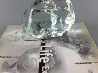 かち割り氷のペーパーウェイトの画像