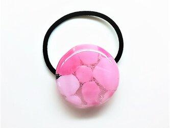 モザイク模様の髪飾り ヘアゴム ピンクの画像