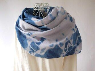 なめらかリネン・天然藍×ログウッド(花火)絞り染め・大判ロングストールの画像