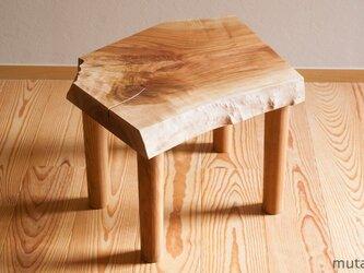 サクラのサイドテーブルの画像