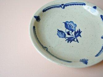 アンティーク趣味の染付取皿(花b)の画像