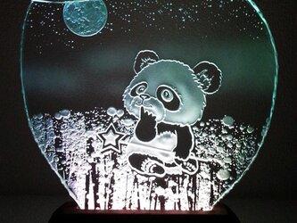 星遊び・パンダのガラスエッチングパネル Mサイズ・LEDスタンドセットの画像