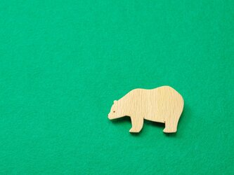 クマ / 熊 木のブローチの画像