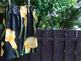 大きなカラーの花柄 デイリースカート ゆったりサイズの画像