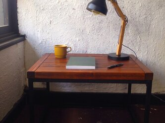 iron mini tableの画像