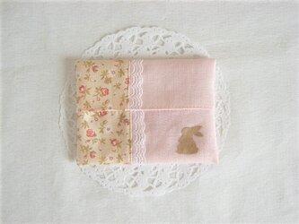 かわいいうさぎのポケットティッシュケース(ピンク花柄)の画像
