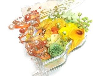 【プリザーブドフラワー/グランドピアノシリーズ】明るく陽気なお花たちのメロディーに優しさをのせての画像