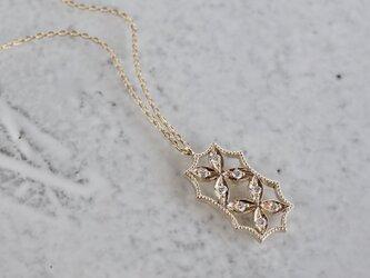 4 petal flower necklace Ⅱ{P065K10YG}の画像