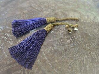 シルクタッセルロングピアス パープル tassel pierced earrings <PETS-1PL>の画像