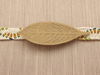 木彫葉っぱの帯留 | 受注生産の画像