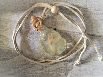 蓄光☆氷に閉じ込められたクリオネのネックレスの画像