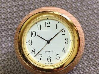 ヒノキのボール時計の画像
