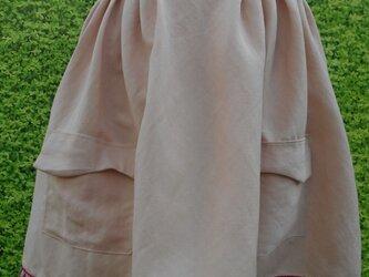 ピンクチロリアンテープスカートの画像