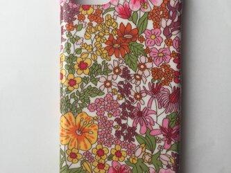 大人可愛いリバティiPhone7ケース艶めき加工の画像