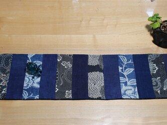 セール ヴィンテージ藍のテーブルセンター 藍の型染と藍の濃淡 夏を感じての画像
