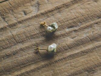 stone pearl  ピアスの画像